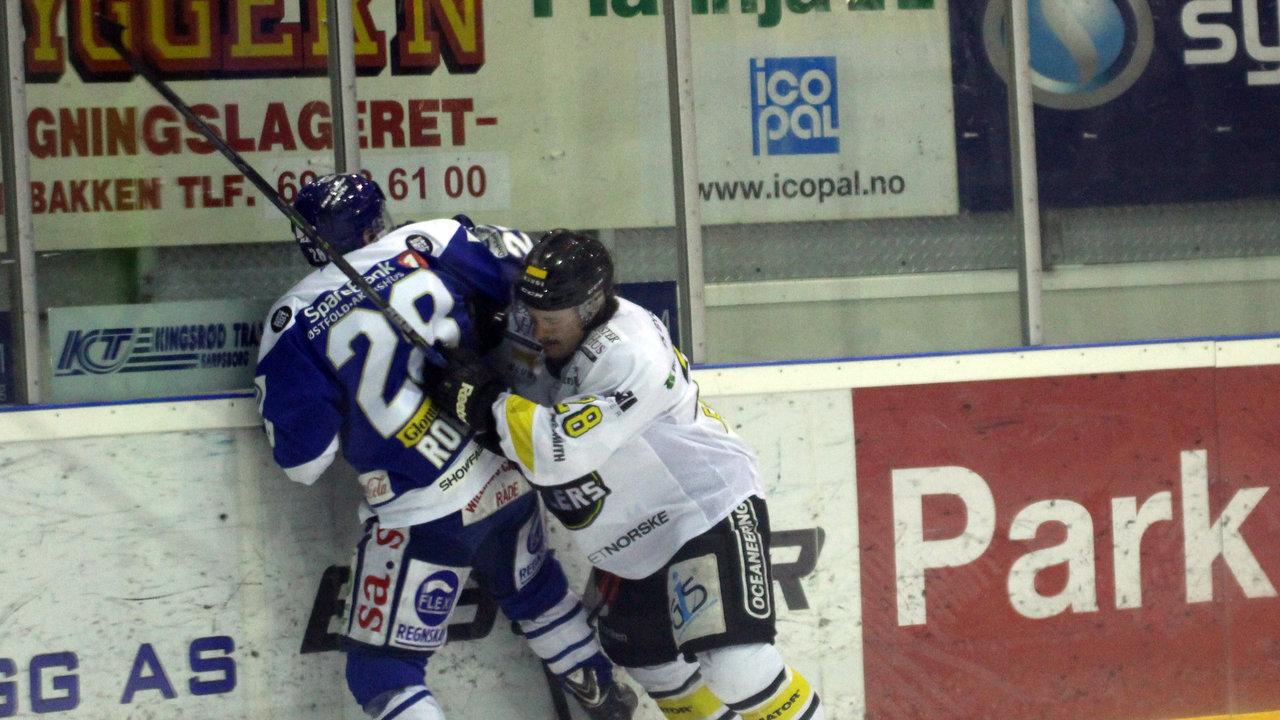 Niklas Roest i duell.