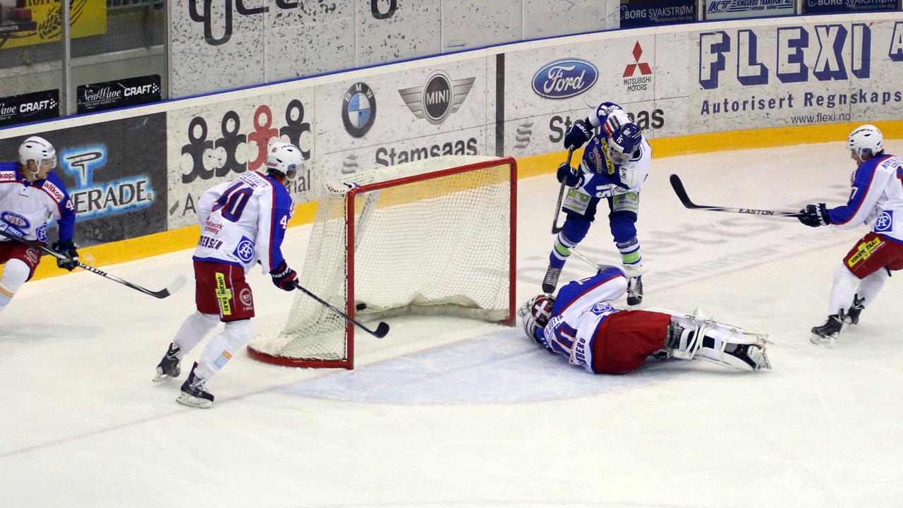 David Hallström scorer 1-0.