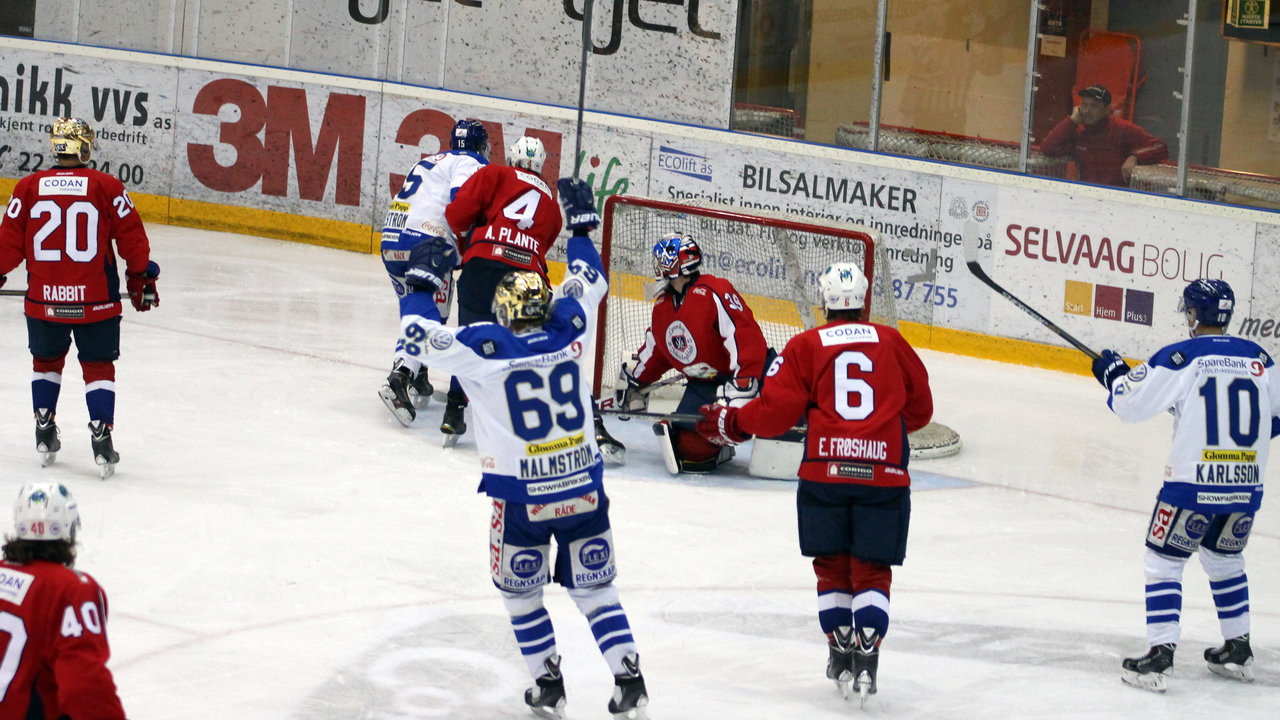 Jubel for Patrik Eklunds 0-1 mål.
