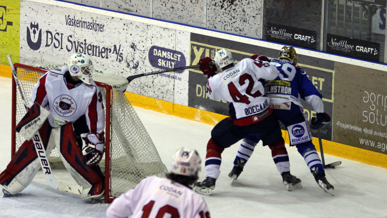 Henrik Malmström i duell med tidligere lagkamerat Henrik Ødegaard.
