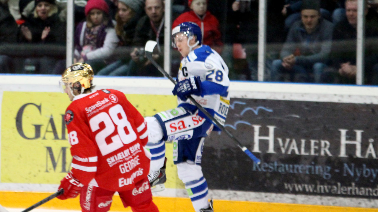 Niklas Roest jubler for sin scoring!