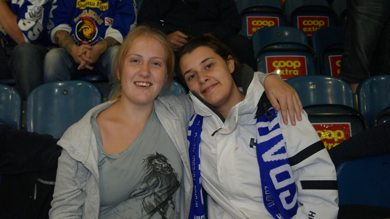 Supporterne Christina og Emina