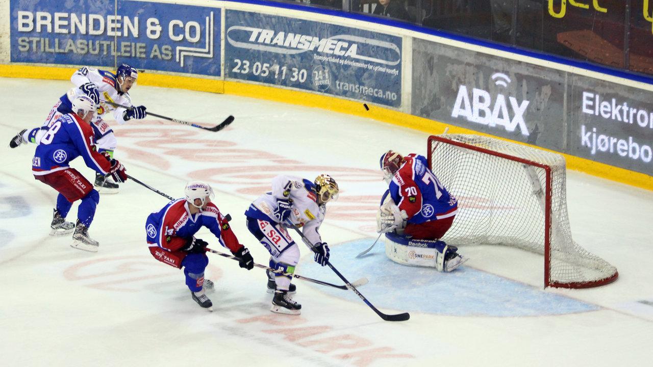 Fredrik Lystad Jacobsen prøvde skuddet.