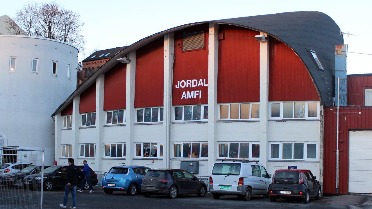 Jordal Amfi rives 6. januar. (Foto: Dagfinn Heidenberg)