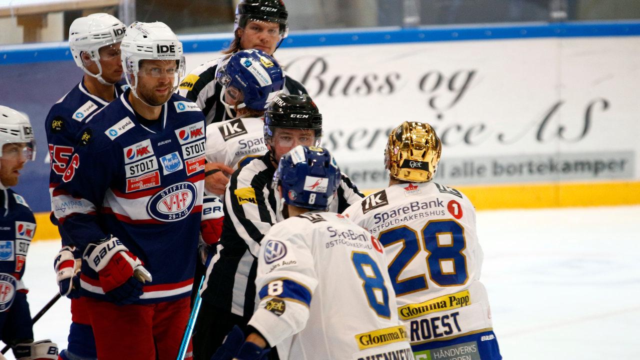 Eks Sparta-spiller Kalle Ekelund i krangel med Niklas Roest.