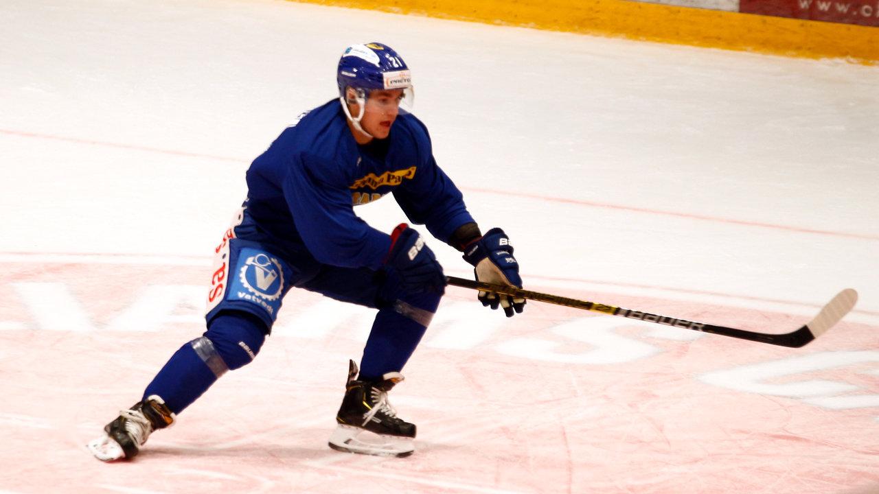 Martin Ellingsen er tilbake på isen etter en kortvarig skade. Foto: Dagfinn Heidenberg