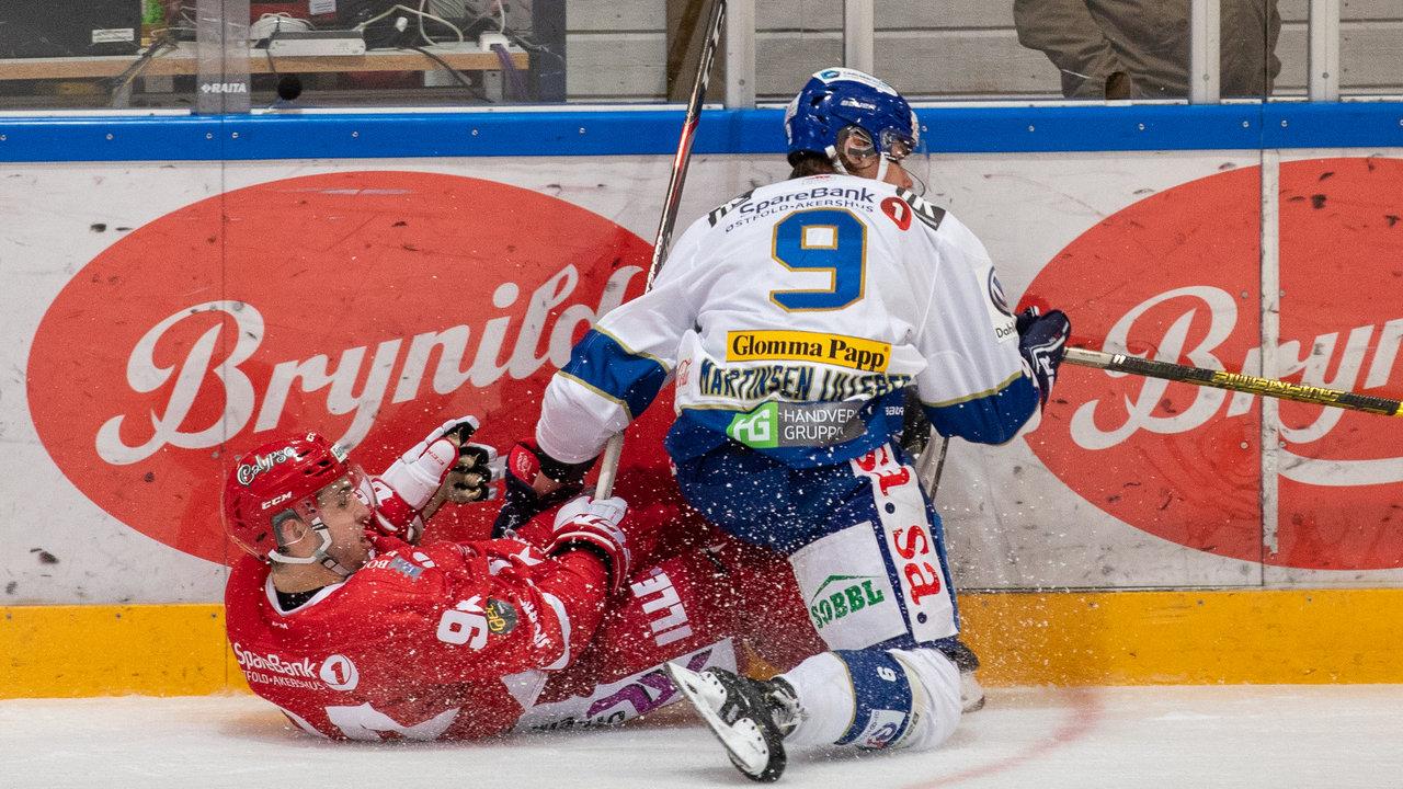 Emil Martinsen Lilleberg med en susende takling. Foto: Jon A. Johansen