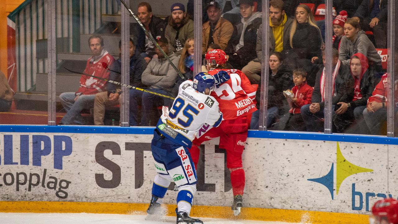 Didrik Svendsen i aksjon etter skade. Foto: Jon A. Johansen