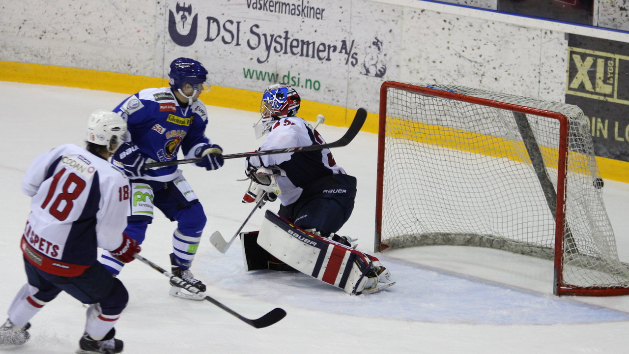 Magnus Nilsen setter pucken i mål!