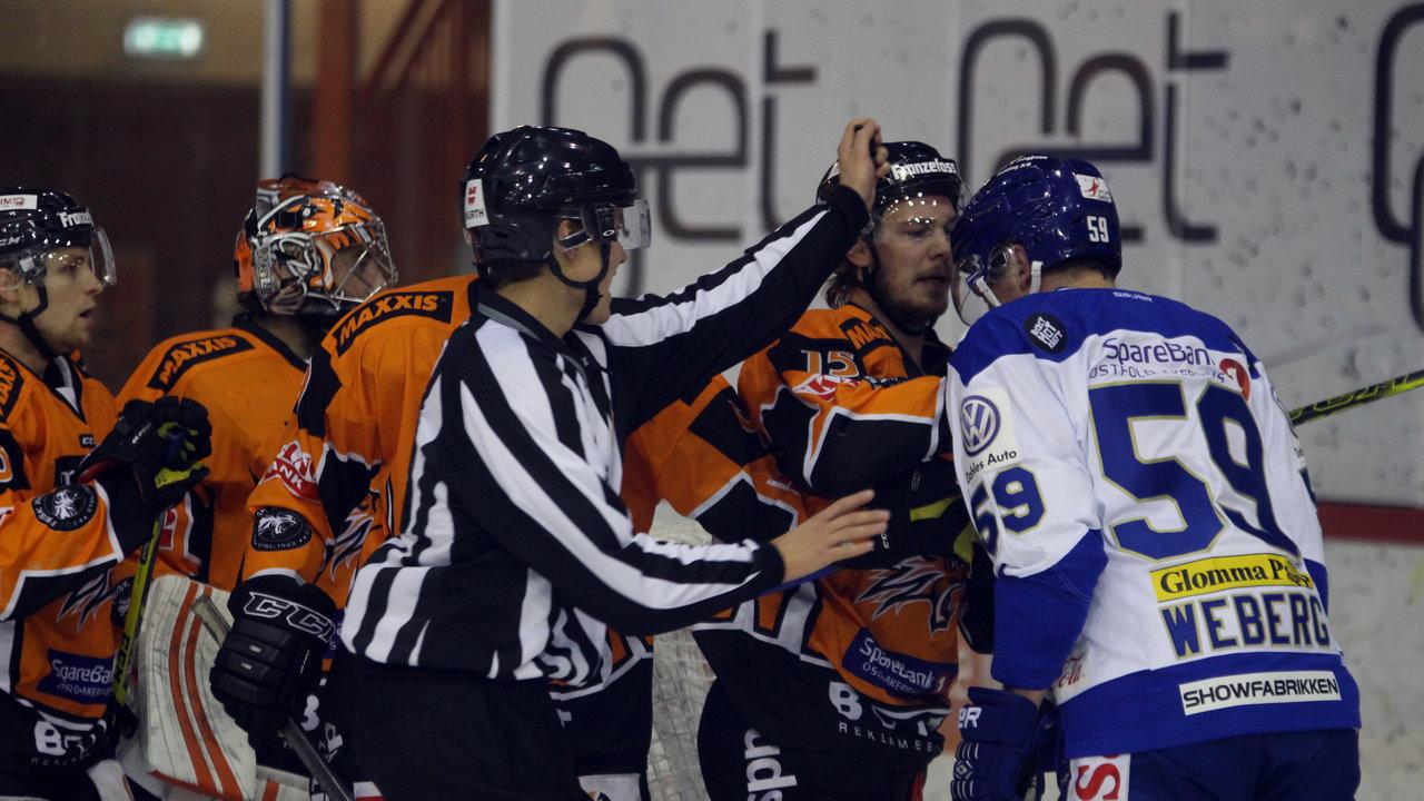 Mats Weberg fikk flere Frisk Asker spillere i mot seg.